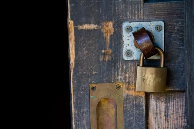 マンション 扉鍵